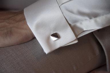I gemelli per lo sposo: un accessorio imprescindibile e senza tempo